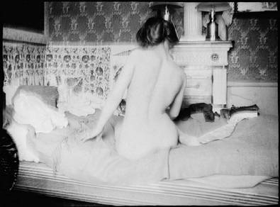 Pierre Bonnard's erotic photograph of Marthe nude with back turned (1899-1900)