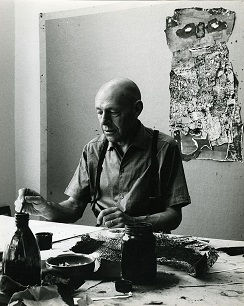Jean Dubuffet working in his studio (1960). Photo by Paolo Monti