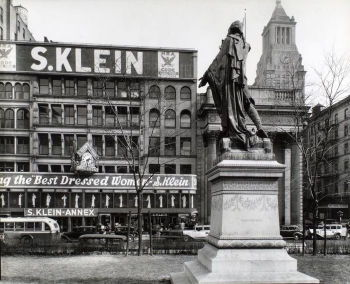 Photographer Berenice Abbott depicts the bargain hunter's fashion store S. Klein.