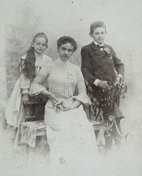 Egon Schiele with his sisters Melanie and Gerti